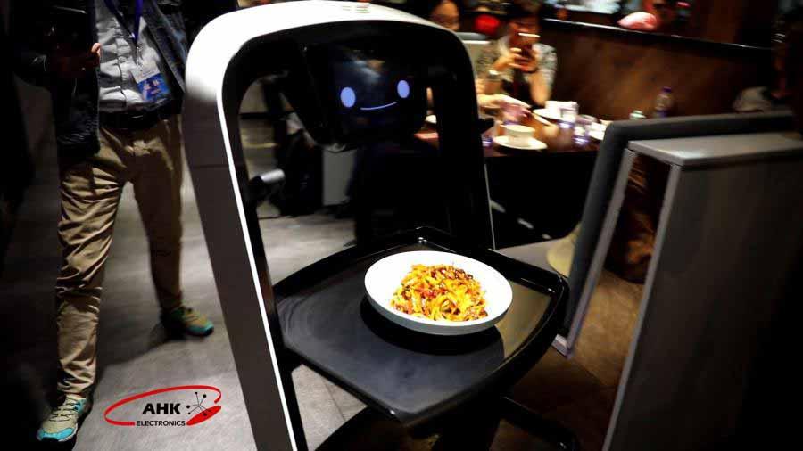 ربات سرآشپز در رستوران چینی